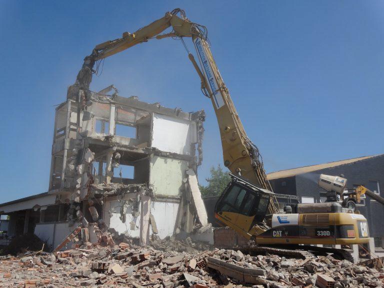 Démolition complète d'un immeuble