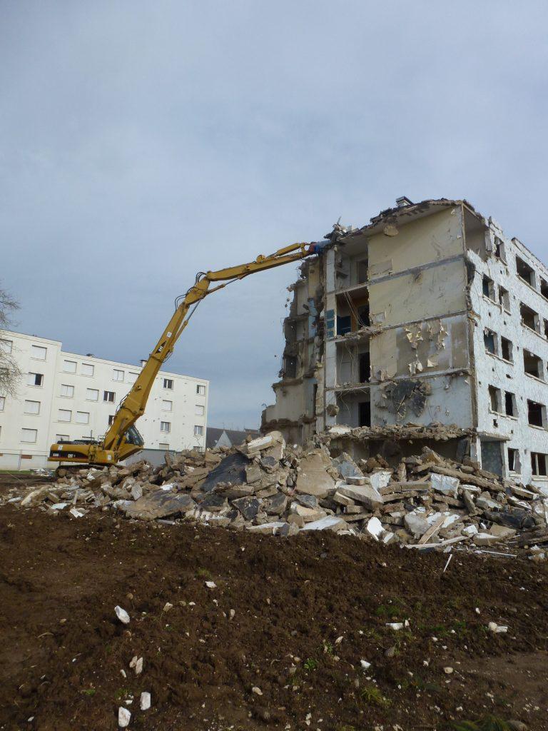 Démolition complète immeuble après désamiantage