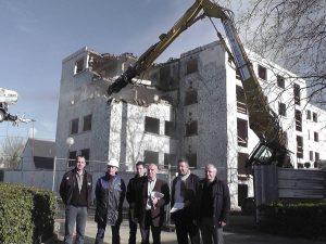 A gauche Mr LE SOURD Hubert gérant de DBS accompagné de BSH (Bretagne Sud Habitat)sur chantier de démolition Ploërmel