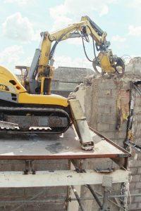 Robot de démolition télécommandé BROKK 90 chantier Théâtre de REDON