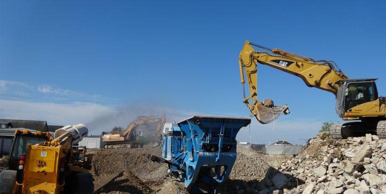 Concassage de béton chantier CHU de Vannes